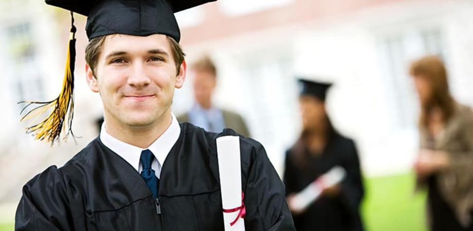 """Laureati e disoccupati: la classifica di Almalaurea: """"Per lavorare studiate medicina ma non letteratura"""""""