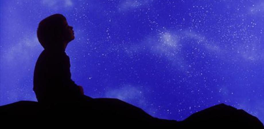 """Notte di San Lorenzo: tra """"nubi sparse e schiarite"""" cadranno le meteore dei desideri"""