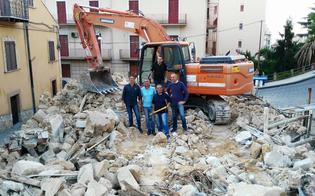 http://www.seguonews.it/opla-demolito-il-rudere-di-via-messina-che-offuscava-il-sacro-cuore-larea-diventera-uno-spazio-verde-le-foto