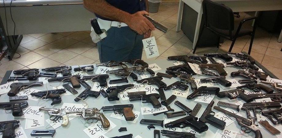 La Questura di Caltanissetta rottama 120 armi. Applicata la legge per i titolari non in regola con i certificati medici