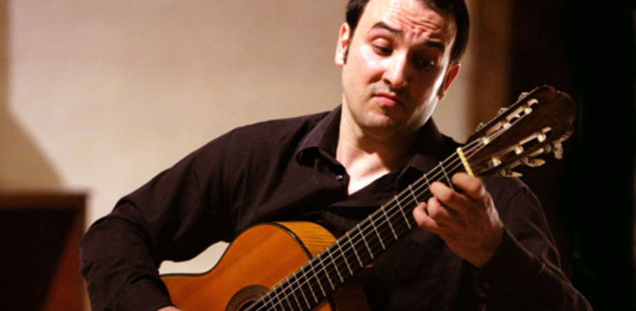 """Alla """"Scarabelli"""" master di chitarra classica e concerto con Giulio Tampalini"""