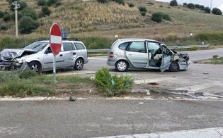 http://www.seguonews.it/scontro-tra-auto-al-bivio-capodarso-grave-una-donna-feriti-il-marito-e-il-figlio-in-ospedale-anche-un-giovane