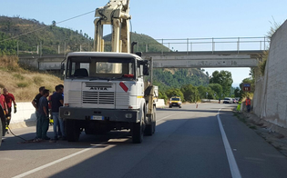 https://www.seguonews.it/autogru-urta-cavalcavia-sulla-ss-626-ritorna-transitabile-la-caltanissetta-gela-chiuso-il-transito-per-il-viadotto-anas-al-lavoro
