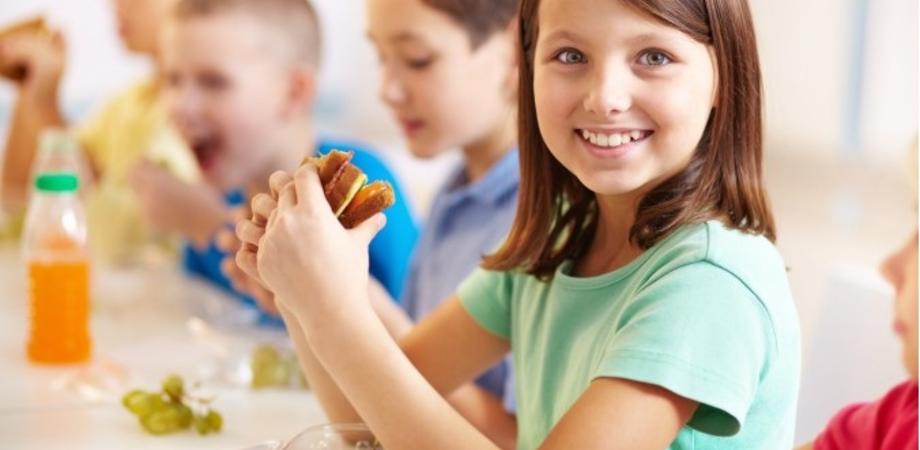 La merenda a scuola. La nutrizionista spiega cosa mettere nello zaino