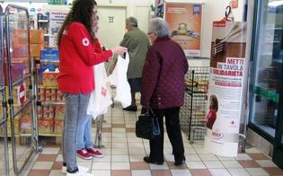 http://www.seguonews.it/solidarieta-venerdi-a-caltanissetta-i-volontari-della-cri-raccolgono-prodotti-per-ligiene-molte-famiglie-in-crisi