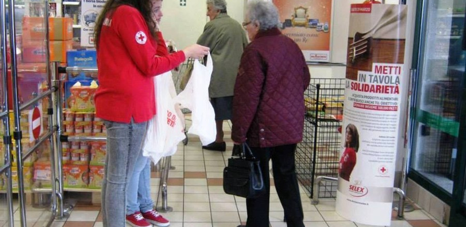 """Solidarietà. Venerdì a Caltanissetta i volontari della CRI raccolgono prodotti per l'igiene. """"Molte famiglie in crisi"""""""