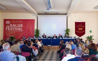 http://www.seguonews.it/piu-integrazione-con-il-territorio-sanita-e-servizi-al-salus-festival-i-direttori-delle-asp-siciliane-si-confrontano-sugli-obiettivi