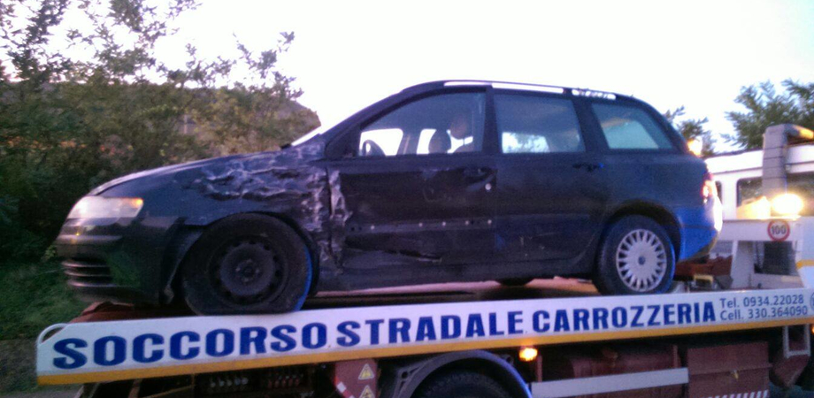 Scontro tra auto e camion sulla Ss 640, nessun ferito. Rappresentante positivo all'alcoltest, la Polizia lo denuncia