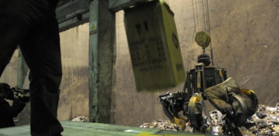 Rifiuti, un inceneritore nel bacino Caltanissetta-Enna. Barricate del M5S contro il piano del Governo