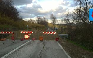 http://www.seguonews.it/piogge-minacciano-strutture-chiuso-un-tratto-della-sp-248-misteci-provincia-senza-soldi-tempi-lunghi-per-la-riapertura