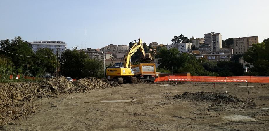 Il Giardino della Legalità può attendere. Lavori al palo da mesi a San Luca, critico il comitato di quartiere