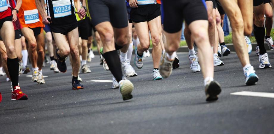 """""""Corri con noi a San Luca"""", domenica maratona per adulti e bambini contro il razzismo"""