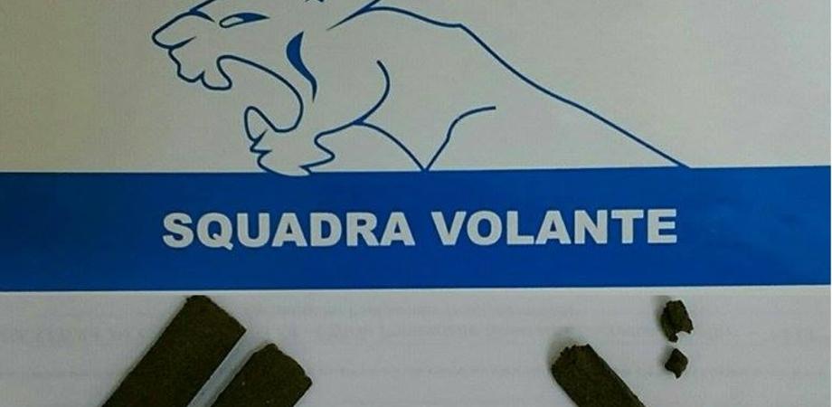 Perquisiti due giovani a Caltanissetta. La polizia trova tre pezzi di hashish