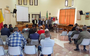 http://www.seguonews.it/patentino-per-prodotti-fitosanitari-concluso-a-delia-il-corso-di-formazione-per-gli-operatori-agricoli