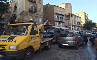 http://www.seguonews.it/carambola-alla-rotatoria-della-badia-smart-impazzita-centra-due-auto-due-persone-ferite