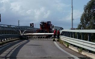 http://www.seguonews.it/torre-faro-abbattuta-sulla-a19-riaperta-la-rampa-di-collegamento-per-caltanissetta-ferrovie-e-strade-in-tilt-per-ore