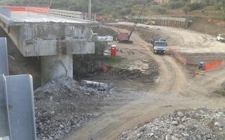 http://www.seguonews.it/viadotto-himera-rabbia-degli-automobilisti-lunghe-code-per-collocare-un-guardrail-lanas-prosegue-i-lavori-per-la-bretella