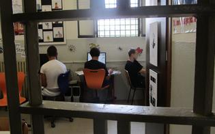 http://www.seguonews.it/fondi-alle-onlus-in-cambio-di-posti-di-lavoro-cinque-arresti-a-caltanissetta-coinvolta-lex-direttrice-del-carcere-minorile
