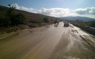 http://www.seguonews.it/strade-invase-da-fango-e-detriti-nel-nisseno-ancora-disagi-per-la-viabilita-dopo-le-incessanti-piogge