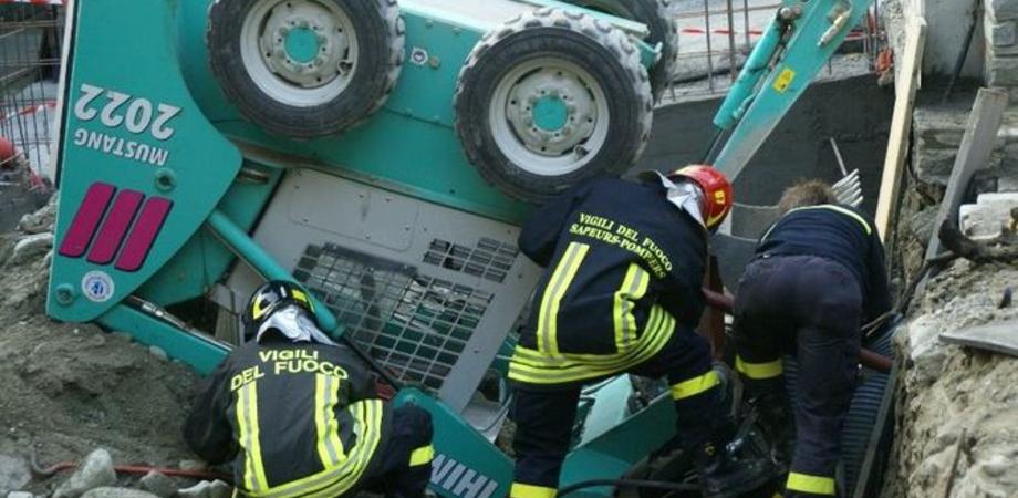 Travolto da una motopala, operaio di Serradifalco muore schiacciato. La Procura apre un'inchiesta, lunedì l'autopsia