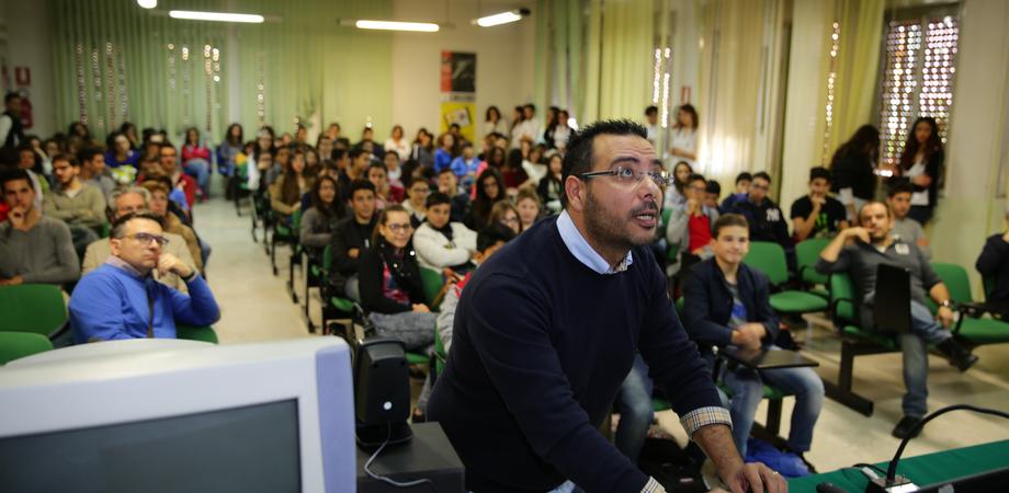 Linux Day: agli studenti delle medie una lezione sul software open source