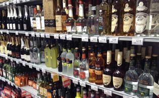 http://www.seguonews.it/supermercati-svaligiati-a-caltanissetta-fermato-taccheggiatore-con-una-dozzina-di-bottiglie-di-whisky-e-amari