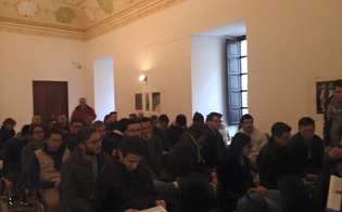 http://www.seguonews.it/no-al-trasferimento-del-corso-di-ingegneria-elettrica-appello-degli-studenti-alla-quinta-commissione-no-a-palazzo-moncada