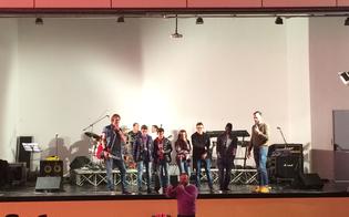 https://www.seguonews.it/diversita-e-rispetto-a-suon-di-musica-gli-studenti-del-volta-incontrano-la-band-controtempo