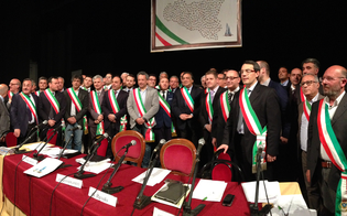 http://www.seguonews.it/enna-e-caltanissetta-piu-vicine-accordo-tra-i-sindaci-delle-due-province-per-piano-strategico