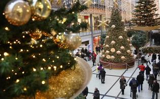 http://www.seguonews.it/tutto-pronto-per-lo-shopping-natalizio-budget-da-219-euro-a-famiglia-solo-uno-su-quattro-comprera-regali