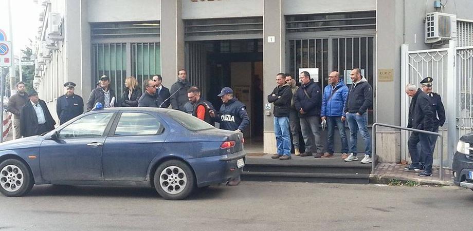"""Mafia e racket, colpo della Polizia ai clan di Gela: 18 arresti. Le vittime del """"pizzo"""" denunciano dopo le minacce LE FOTO"""