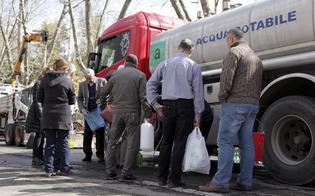 http://www.seguonews.it/le-case-dei-nisseni-a-secco-a-santa-barbara-il-comune-mette-a-disposizione-unautobotte-con-acqua-potabile