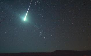 http://www.seguonews.it/una-scia-luminosa-nel-cielo-di-caltanissetta-tanti-col-naso-allinsu-lipotesi-una-stella-piu-luminosa