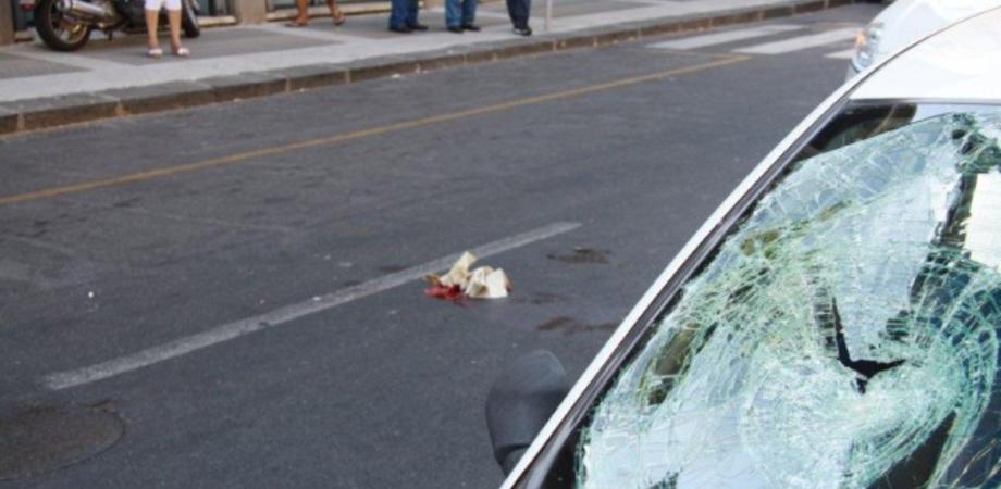 """Viale Trieste, pensionata investita da un'automobile. Ricoverata all'ospedale """"Sant'Elia"""" con fratture alle gambe"""