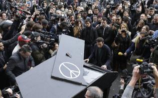 http://www.seguonews.it/attentati-di-parigi-originario-di-caltanissetta-il-pianista-che-ha-suonato-image-in-memoria-delle-vittime
