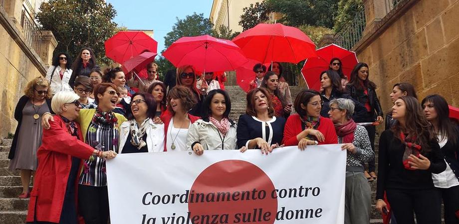 La studentessa stuprata a Caltanissetta, il Centro Anti Violenza offre aiuto psicologico e assistenza legale