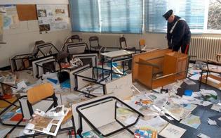 http://www.seguonews.it/scuola-vandalizzata-per-gioco-la-procura-per-i-minori-di-caltanissetta-indaga-tre-ragazzini