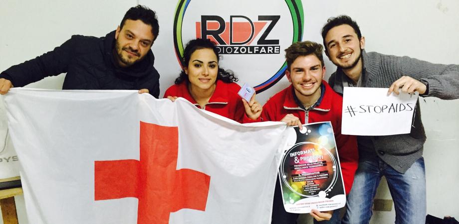 """Lotta all'Aids: la Croce Rossa di Sommatino """"sonda"""" le conoscenze dei giovani"""
