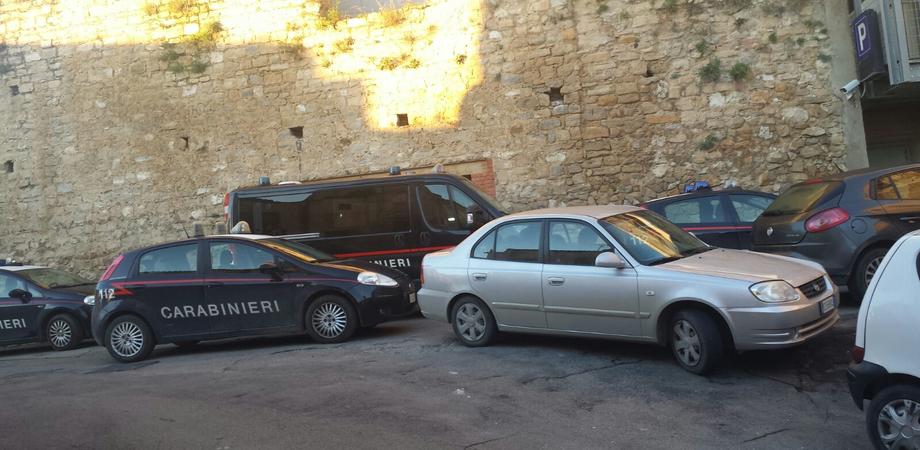 Caltanissetta. Ragazza rapita, stuprata e costretta a prostituirsi: arrestati 5 stranieri, blitz dei carabinieri agli Angeli