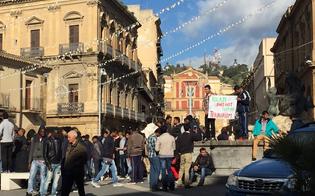 http://www.seguonews.it/migranti-in-piazza-a-caltanissetta-contro-il-terrorismo-centinaia-di-profughi-dicono-no-a-tutte-le-violenza