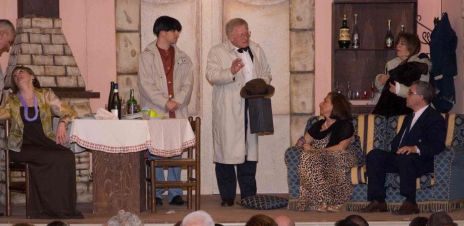 """Stagione teatrale. Domenica """"Le bugie hanno le gambe corte"""" in scena al Margherita"""