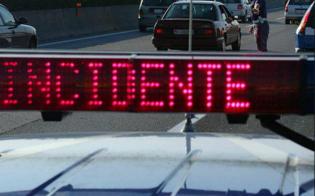 http://www.seguonews.it/furgone-si-ribalta-a-irosa-traffico-in-tilt-sulla-a19-quattro-passeggeri-feriti-uno-e-grave