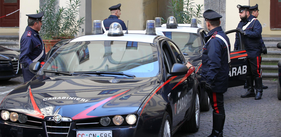 Spaccio alla Villa Cordova, arrivano i carabinieri: due arrestati e un denunciato