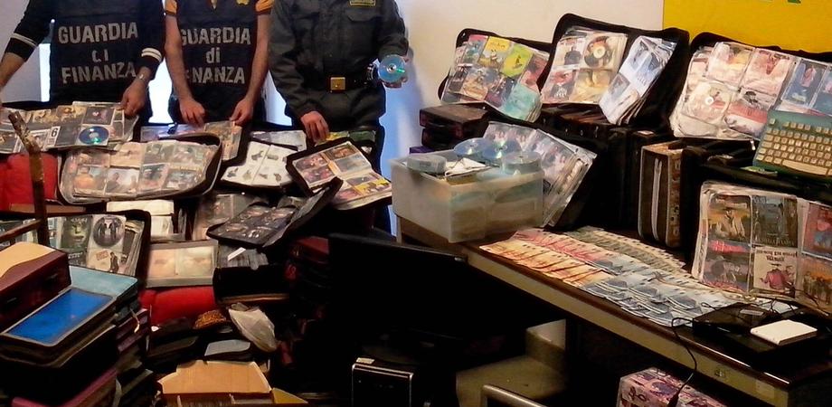 """Traffico di Dvd """"pirata"""" scoperto a Caltanissetta e Gela. La Guardia di Finanza sequestra migliaia di prodotti illegali"""