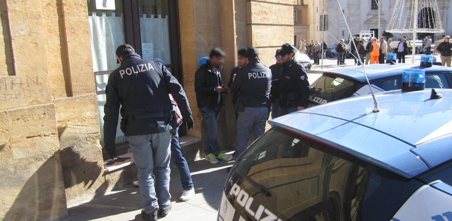 Lotta allo spaccio di droga, a Caltanissetta potenziati i controlli della Polizia dopo arresti e segnalazioni
