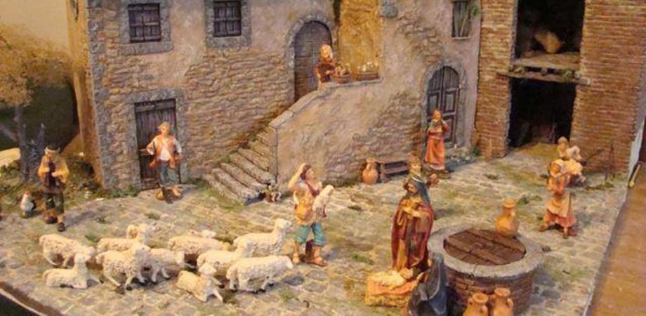 """Presepi artigianali, martedì si inaugura la mostra alla """"Scarabelli"""". Concerti e sagre fino all'Epifania"""