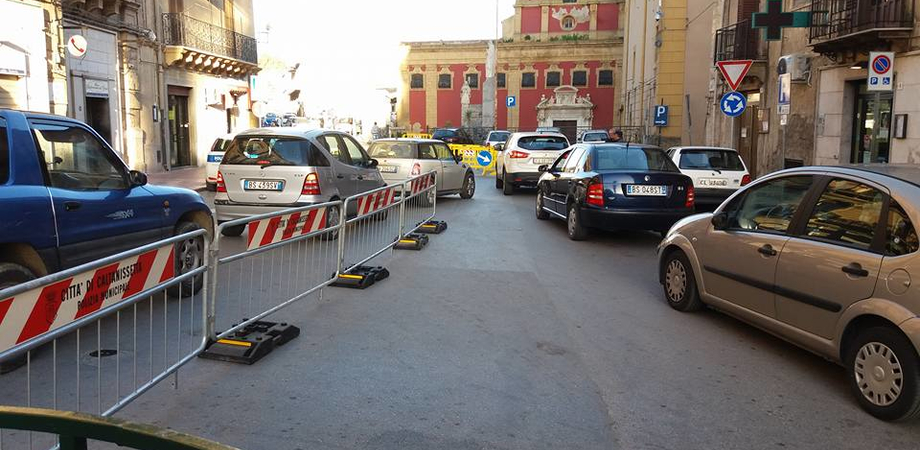 Ztl in centro a Caltanissetta, si cambia ancora. Le auto ritornano a circolare da corso Vittorio Emanuele alla Badia