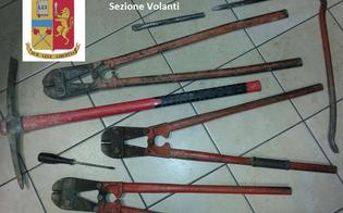 http://www.seguonews.it/caltanissetta-scassinano-un-bar-e-abbandonano-lauto-con-gli-arnesi