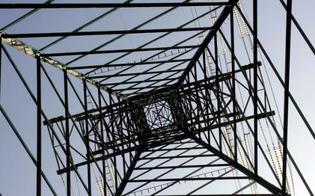 http://www.seguonews.it/black-out-nelle-campagne-di-caltanissetta-colpa-dei-ladri-rubati-cavi-della-rete-elettrica-dai-tralicci