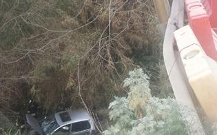 http://www.seguonews.it/incidente-stradale-a-caltanissetta-auto-precipita-dal-ponte-giannittello-feriti-due-giovani